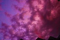 紫红色云彩