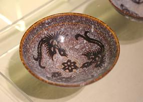 彩色陶瓷鸟纹大碗