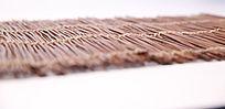 水平角度铺垫商品用的草帘子