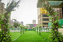 绿色主题西式草坪婚礼布置现场