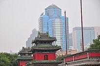 现代建筑与古建筑钟楼