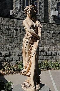 古代欧洲美女石雕像