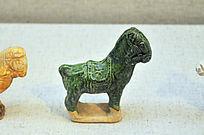 宋代绿釉瓷马