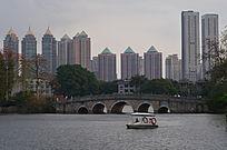 美丽的湖景建筑风景图片