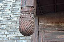 木质房檐雕刻