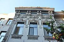 白色中华巴洛克建筑