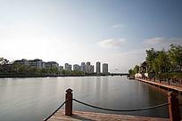 慢门下的城市河流