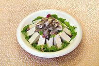 墨鱼炖豆腐