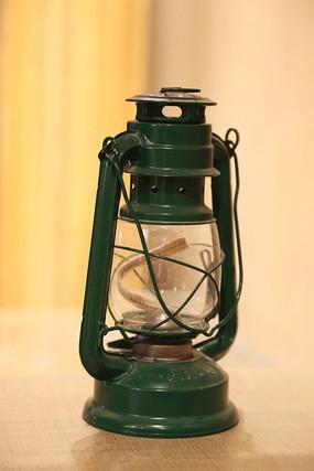 老式绿色马灯