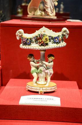 十九世纪英德累斯顿小天使瓷碗