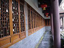 古木窗长廊