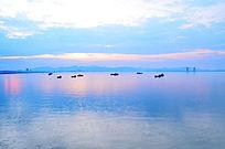 海天相接的大海风景图片