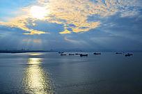 美丽的日落海洋风景图片
