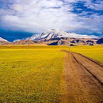 通往雪山的路