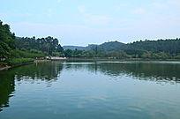高山湖泊山水风景图片