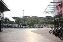 购物广场大门