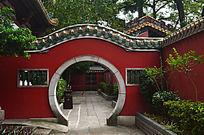 广州孔庙圆门建筑风景图片