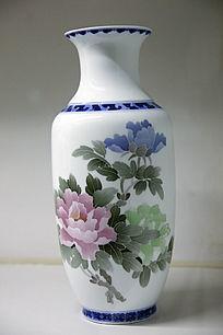 彩绘牡丹花瓶