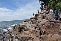 海边岩石图片