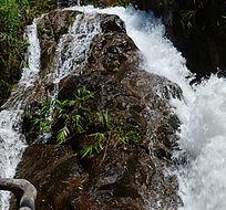 瀑布山水自然风光图片