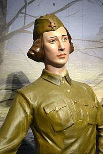 苏联女兵雕塑