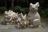兔子一家雕像