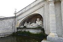横卧人物欧式雕塑