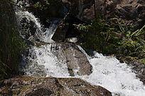 山水瀑布风景图片