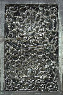 铜雕缠枝莲纹样