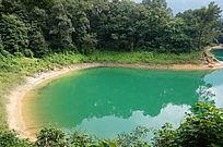 美丽的湖泊自然风光图片