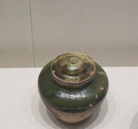 明代半绿釉红陶盖罐