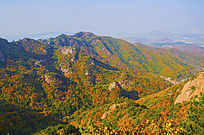 千山小黄山山峰与山脉秋景