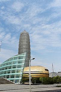 金蛋后的中原福塔