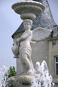 雕塑执壶的小天使