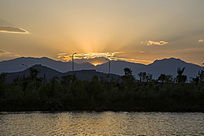 夕阳落山图片