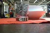 黑点横纹玻璃杯