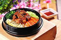 茄汁牛肉石锅饭