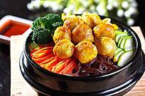 特色鱼丸石锅饭