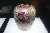清代广彩西洋人物狩猎图盖罐
