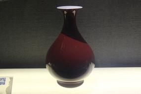 清代祭红釉玉壶春瓶