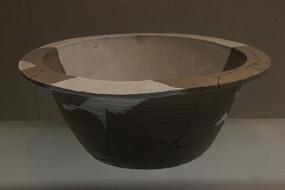 战国绳纹陶盆