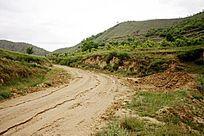 黄土高原上的土路
