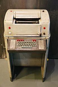 老物件机械打字机