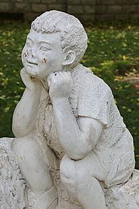 石雕小男孩