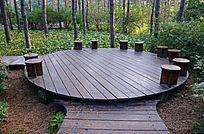 木质圆盘林间休息座椅