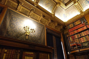 尚蒂伊城堡书房壁灯