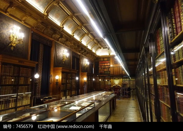 尚蒂伊城堡书房透视景观图片