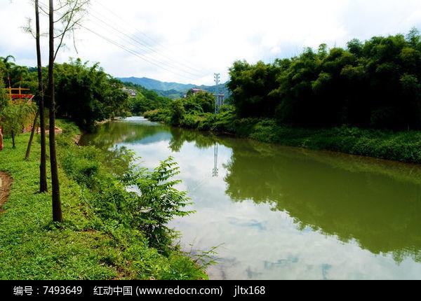 美丽的河流风景图片