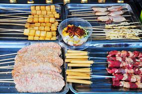 各种肉串和炸串