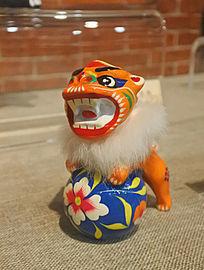 狮子玩绣球